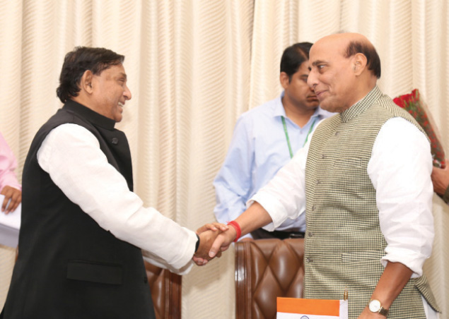 The Minister of Disaster Management & Relief, Bangladesh, Mr. Mofazzal Hossain Chowdhury Maya calling on the Union Home Minister, Shri Rajnath Singh, in New Delhi on November 04, 2016.