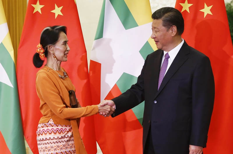 Chinese President Xi Jinping with Myanmar's leader Aung Suu Kyi